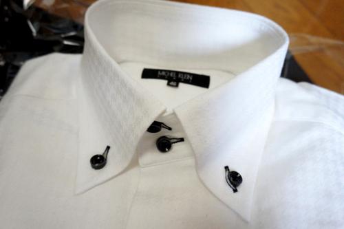 襟の高いYシャツ