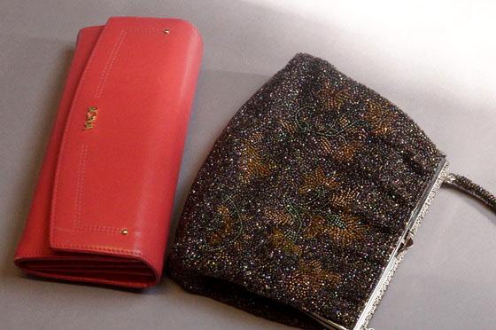 ビーズバッグと長財布