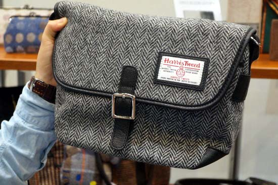 glencheck-harris-tweed-messenger-bag-2