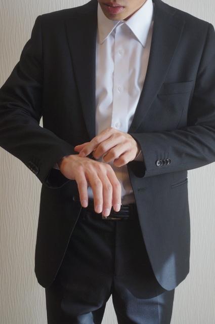 スーツの袖ぐち
